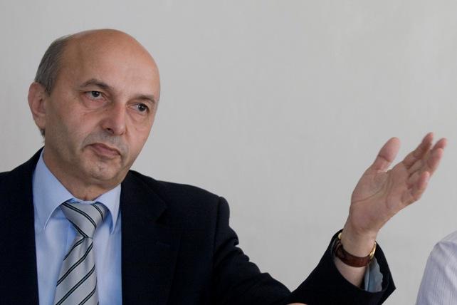 Mustafa nuk ndalet, kësaj here i reagon zv.ministrit Ramadani
