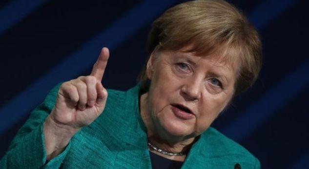 """Merkel bisedon me kryeministrat e vendeve të """"Grupit të Vishegradit"""""""