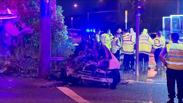 Ndodh mrekullia në aksidentin e tmerrshëm, vetura ndahet përgjysmë- kurse vajzat shpëtojnë për një fije