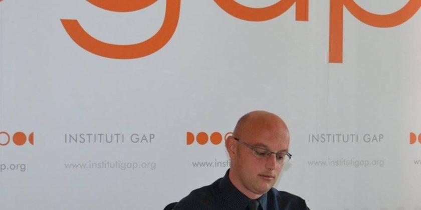 Mbajtja në fuqi e taksës tani më shumë i konvenon Serbisë
