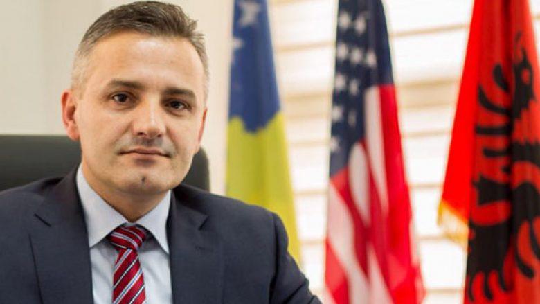 Jashari me kërkesë për përfaqësuesit në dialog: Shikojeni këtë video para se të uleni në tavolinë me Serbinë