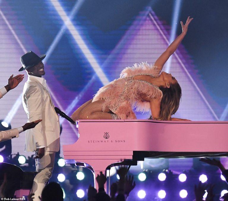 """Publikohet video nga performanca e Jennifer Lopez në """"Grammy"""""""