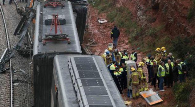 Ky është numri i të lënduarve nga përplasja e trenit në Spanjë