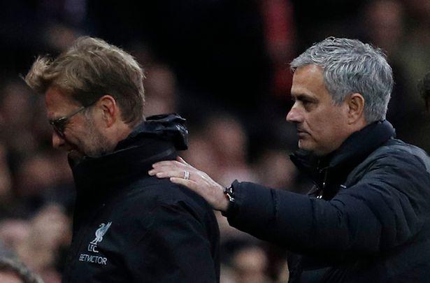 """Mourinho """"thumbon"""" Klopp: Trofetë janë ata që vlejnë më shumë"""