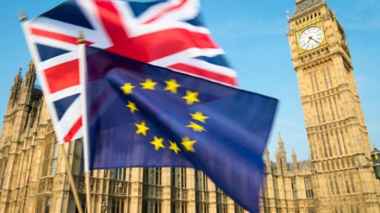 Juncker: Nuk e mbajmë me zor Britaninë e Madhe në BE