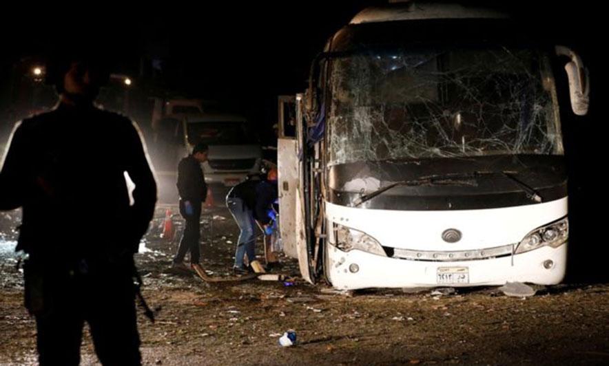 Egjipt, bombë autobusit në lëvizje, 3 të vdekur e 11 të plagosur