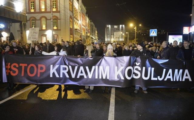 Protesta masive në Serbi