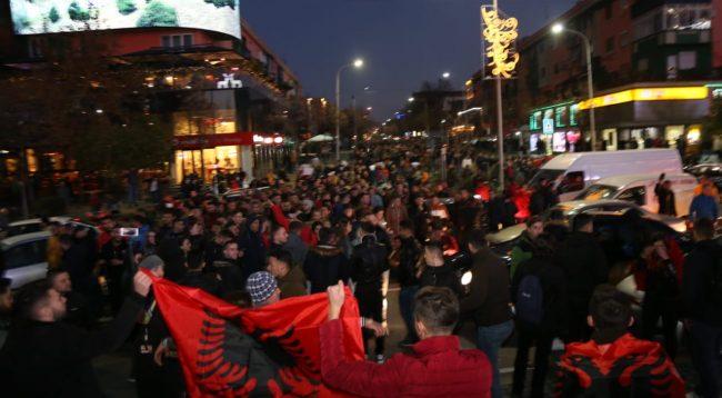 Reuters: Protestë e rrallë në Shqipëri,Rama nën presion