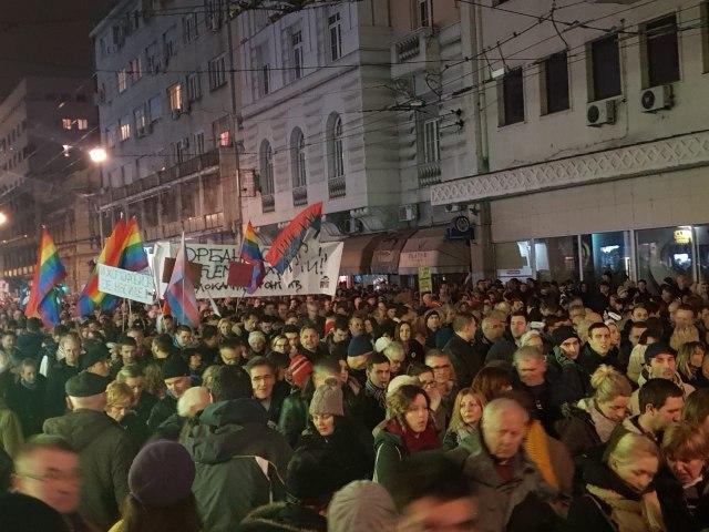 Protestë kundër Vuçiqit në Beograd