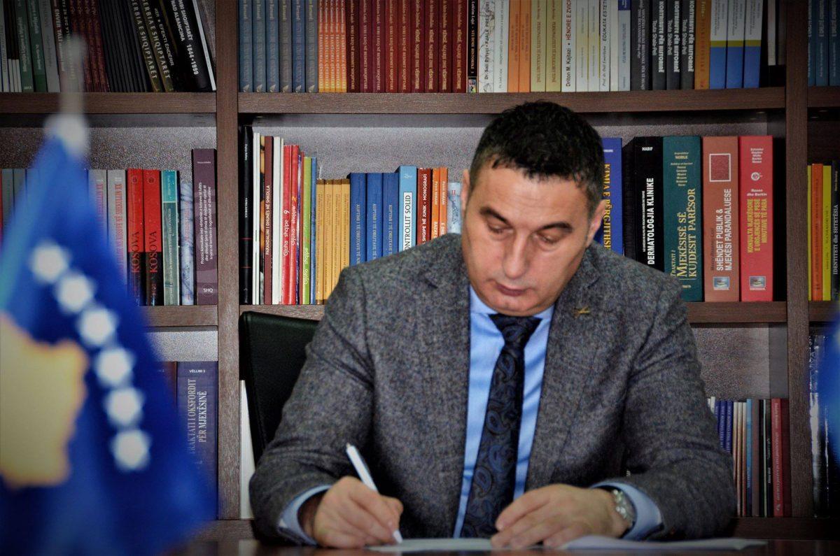 Greva e mësuesve alarmon Ministrin e Arsimit Shyqiri Bytyçi