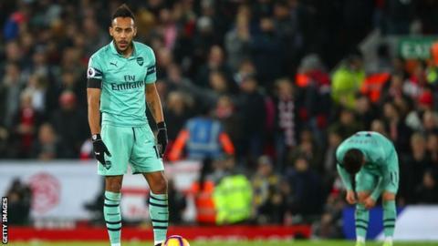 """Mbrëmje makthi për Aubameyang, preku topin vetëm 13 herë në """"Anfield"""""""