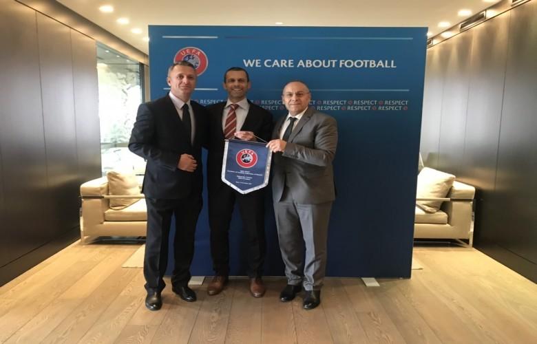 Kryetari i UEFA-s, i jep përkrahje të fuqishme FFK-së