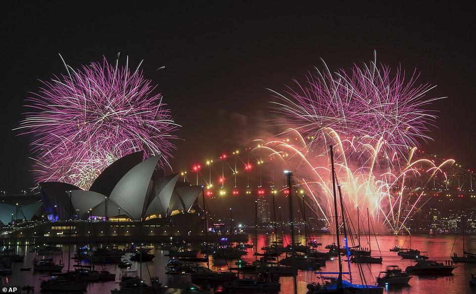 Spektakël fishekzjarresh, Viti i Ri mbërrin edhe në Korenë e Veriut