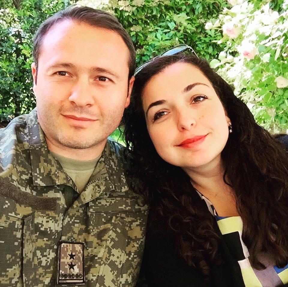 Bashkëshorti i Vjosa Osmanit me dy paga nga shteti, ballafaqohet në komision me gruan e tij