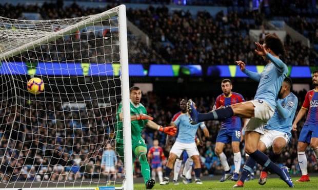 City dhe Chelsea shokohen nga Palace dhe Leicester Manchester