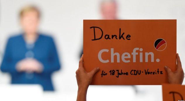 Merkel mban fjalimin lamtumirës për partinë e saj