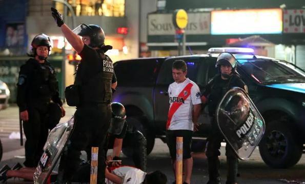 Tragjike, një tifoz i River Plate vritet nga dy fansa të Bocas