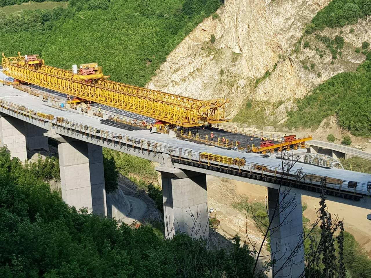 A do të ketë ndëshkime të reja financiare për autostradën Prishtinë – Shkup?