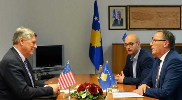 Kosnett dhe Hamza shprehin gatishmëri bashkëpunimi për këto çështje