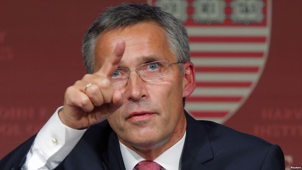 Stoltenberg telefonoi edhe Vuçiqin, tregon çfarë bisedoi me të dhe Haradinajn
