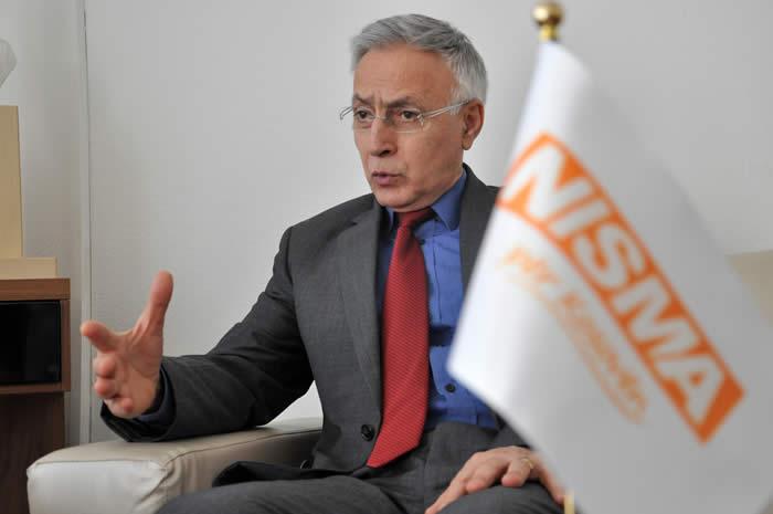 Jakup Krasniqi deklarohet për LDK-në dhe Thaçin që kushtëzojnë dialogun e taksën