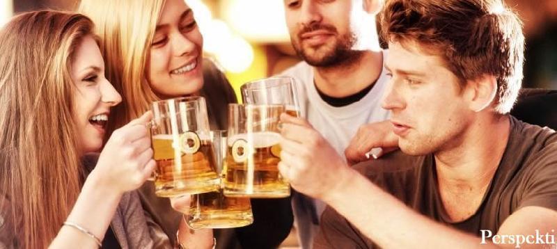 Dëmet që i shkaktohen trupit nëse pini alkool çdo ditë për një muaj
