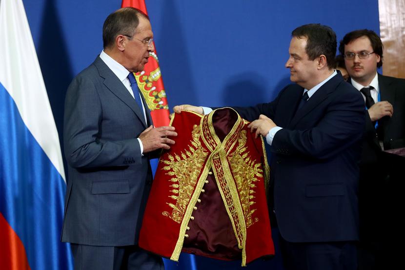 Kosova bënë pjesë edhe në urimet për Krishtlindje ndërmjet Rusisë dhe Serbisë