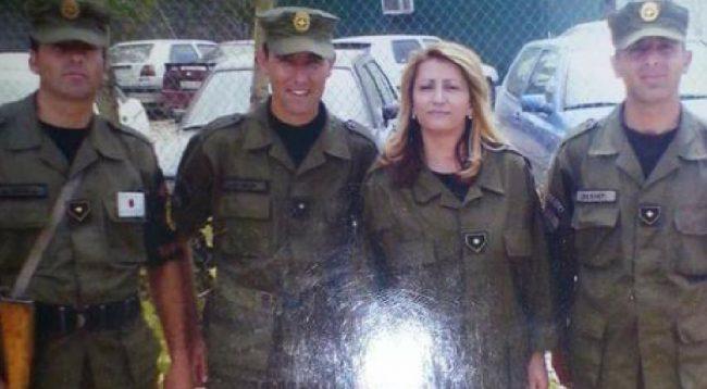 E veshur me uniformë të FSK-së, Shkurte Fejza uron Ushtrinë