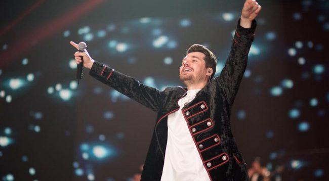 Alban Skenderaj merr një vendim të papritur, fansat 'shpërthejnë' me komente