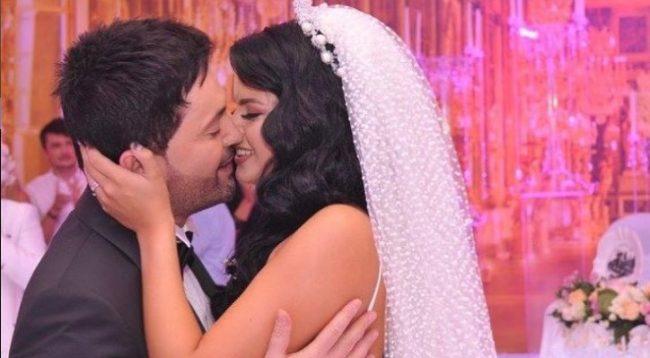 Andrra sjell këtë foto nga Nju Jorku duke u puthur me Sinanin