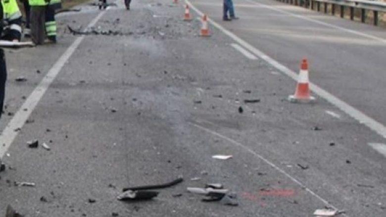 Aksident në Skenderaj, lëndohen pesë persona