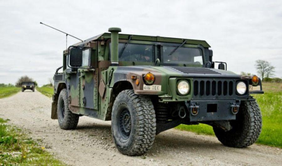 Mbërrijnë në Prishtinë automjetet ushtarake amerikane për ushtrinë e Kosovës