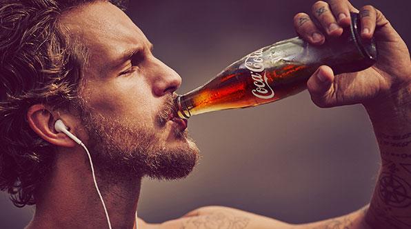 Çfarë i ndodh trupit kur konsumoni Coca Cola?