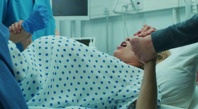 Ngjarje tragjike, nëna shqiptare humb 3 foshnjat… në spital nuk kishte mjek gjinekolog