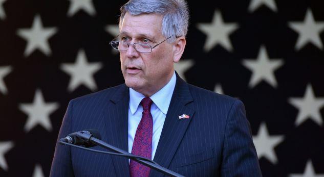 Kosnett: Amerika nuk po bën shtytje për rregullim të kufirit Kosovë-Serbi