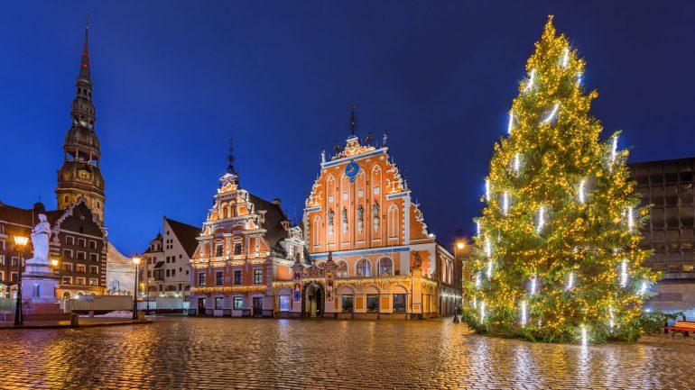 Shikoni si u festuan Krishtlindjet anembanë botës