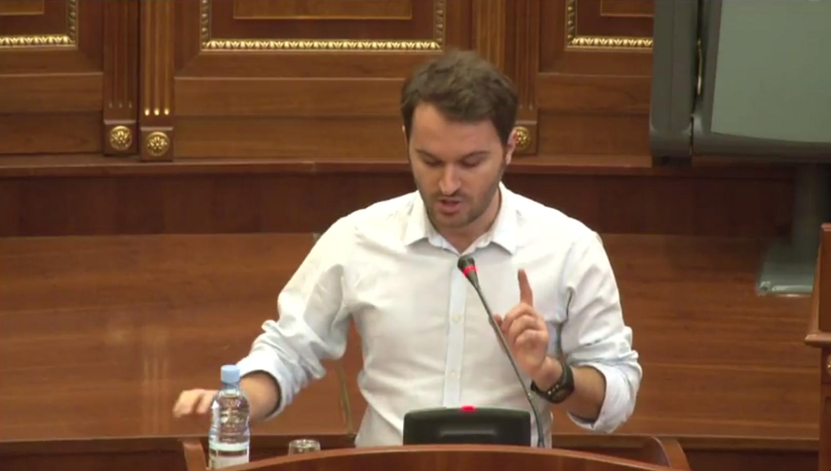 Krasniqi flet për mandatet e 'vjedhura' nga VV-ja në PSD