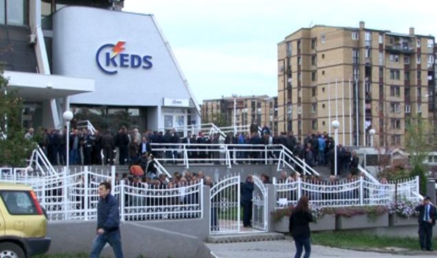 Vërtetohet se KEDS kundërligjshëm e ndal rrymën por askush nuk mund ta ndëshkojë