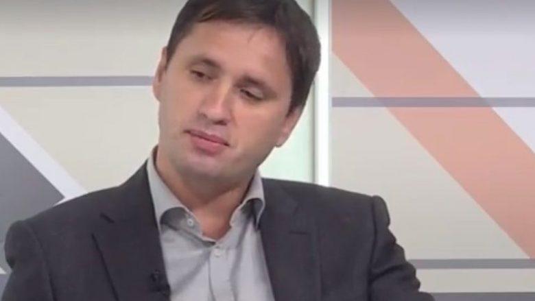 """Këshilltari i Behgjet Pacollit """"arsyeton"""" mospunën e MPJ-së dhe kërkesën e KMDLNJ-së"""
