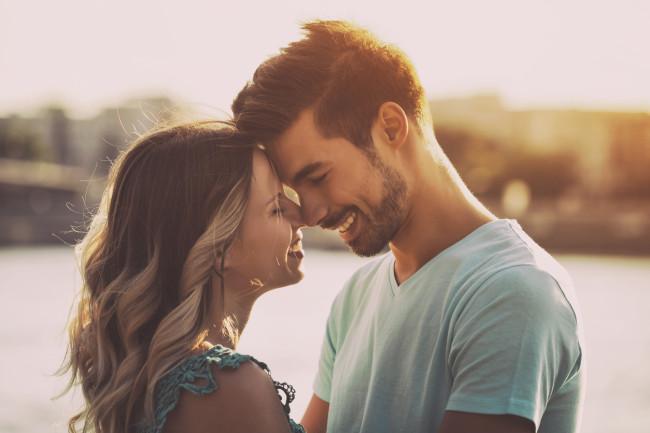Shenjat se tregojnë që partneri juaj dëshiron të kalojë gjithë jetën me ju