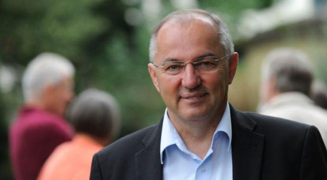 Deputeti gjerman: Kosovës duhet t'i hiqen vizat, le të jetë e barabartë me shtetet tjera