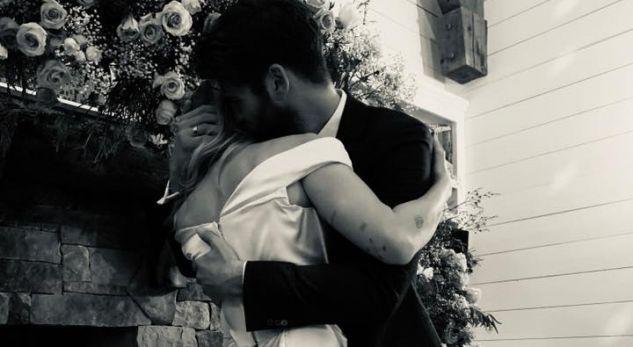 """""""10 vjen më vonë"""", Miley Cyrus konfirmon martesën me Liam përmes fotove të ëmbla"""