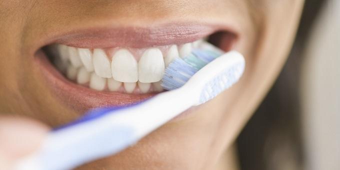 Të lani me rregull dhëmbët tuaj ulë rrezikun e hipertensionit