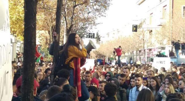 Vetëvendosje përzihet në punët e Shqipërisë