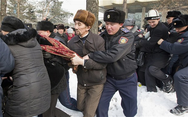 Arrestohen aktivistët dhe gazetarët në protestën e Kazakistanit