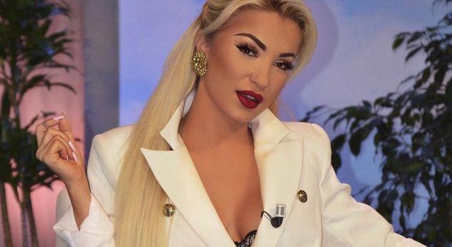Moderatorja shqiptare do të bëjë fëmijë, kërkon ndihmë nga fansat