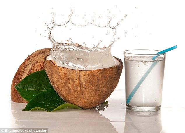 Uji i arrës së kokosit shërues për gurët në veshka