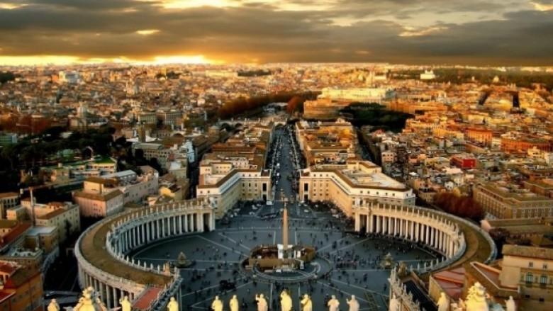 Si dështoi diplomacia e Kosovës karshi Vatikanit