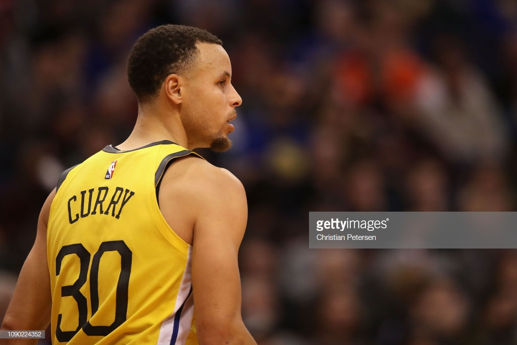 Curry i dhuron fitoren Golden State, surprizat Milwaukee e Denver kryesojnë Konferencat
