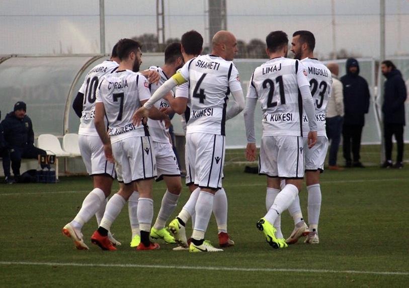 Pas Ramës, edhe futbollisti tjetër kosovar nënshkruan me Kukësin